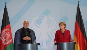 Als Bundeskanzlerin Merkel am Mittag den afghanischen Präsidenten Karsai empfängt, hat sie Norbert Röttgens Ende als Umweltminister längst bestimmt, (c) ET-Media, Wagner